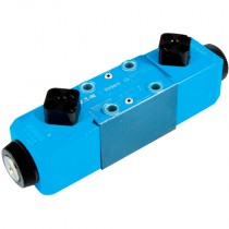110/120v 50/60Hz 3 Position, A, B & T Connected, Spring Centred, Water Resistant Override, Cetop 3 Double Solenoid Directional Control Valve
